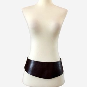 Hip-Hugging Cummerbund Style HOBBS Leather Belt